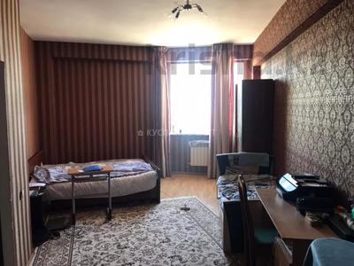 3-комнатная квартира, 141 м², 13/19 этаж, Шамши Калдаякова 11 за ~ 32.7 млн 〒 в Нур-Султане (Астана), Алматы р-н — фото 11