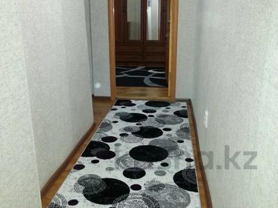 1-комнатная квартира, 40 м², 1/5 этаж посуточно, Балапанова 6 — Ракишева за 7 000 〒 в Талдыкоргане — фото 3