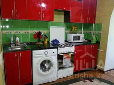 1-комнатная квартира, 40 м², 1/5 этаж посуточно, Балапанова 6 — Ракишева за 7 000 〒 в Талдыкоргане — фото 4