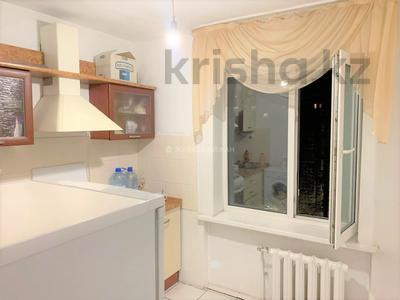 2-комнатная квартира, 54 м², 5/5 этаж, Республика 6 за 15.3 млн 〒 в Нур-Султане (Астана), р-н Байконур