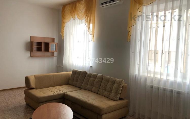 2-комнатная квартира, 60 м², 1/4 этаж помесячно, Ерниязова 13/1 за 140 000 〒 в Атырау