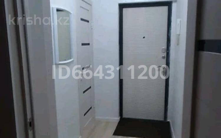 1-комнатная квартира, 30 м², 2/5 этаж посуточно, Аса 10мик — Бауыржан Момышулы за 6 000 〒 в Таразе