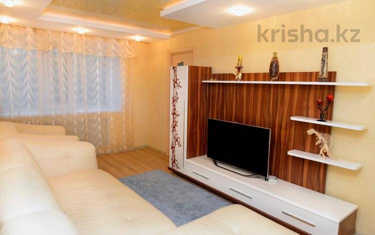 3-комнатная квартира, 110 м², 2/5 этаж посуточно, Сейфуллина 1 — Кривогуза за 13 495 〒 в Караганде, Казыбек би р-н