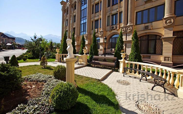 3-комнатная квартира, 107 м², 7/8 этаж, Омаровой 37 за 41.9 млн 〒 в Алматы, Медеуский р-н