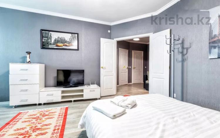 1-комнатная квартира, 45 м², 8/14 этаж посуточно, Сарайшык 5 за 10 000 〒 в Нур-Султане (Астана)