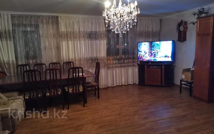 4-комнатная квартира, 109.2 м², 3/5 этаж, Кривогуза за 27.3 млн 〒 в Караганде, Казыбек би р-н