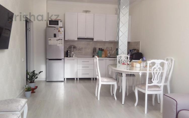2-комнатная квартира, 65 м², 7/12 этаж помесячно, Степной-2 2/4 за 250 000 〒 в Караганде, Казыбек би р-н