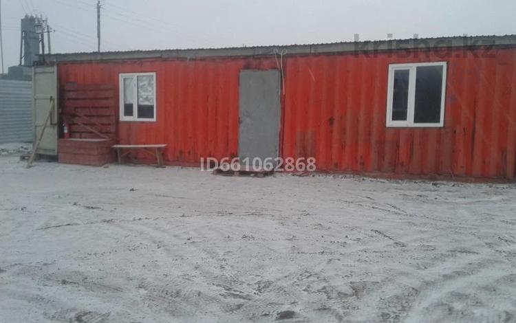 контейнер (40-ка) вагончик бытовка за 1.2 млн 〒 в Атырау