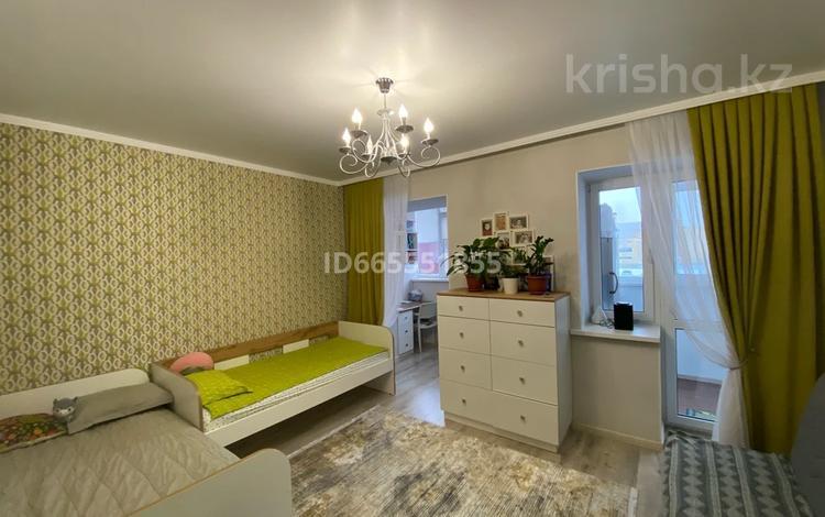2-комнатная квартира, 79 м², 2/5 этаж, мкр. Батыс-2 за 25 млн 〒 в Актобе, мкр. Батыс-2