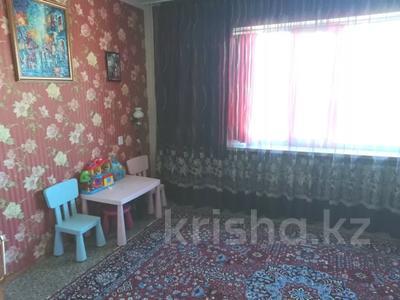 4-комнатная квартира, 90 м², 9/9 этаж, Язева 10 за 16.5 млн 〒 в Караганде, Казыбек би р-н