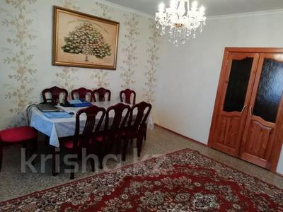 4-комнатная квартира, 90 м², 9/9 этаж, Язева 10 за 16.5 млн 〒 в Караганде, Казыбек би р-н — фото 16