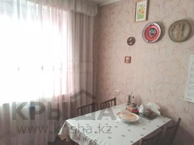 4-комнатная квартира, 90 м², 9/9 этаж, Язева 10 за 16.5 млн 〒 в Караганде, Казыбек би р-н — фото 18