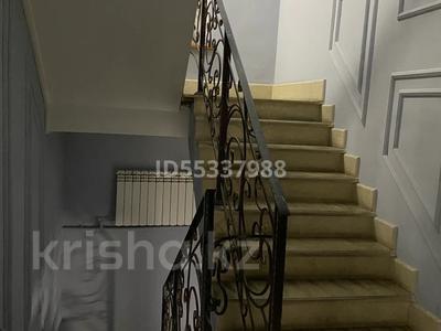 15-комнатный дом, 390 м², 6 сот., Дулатова за 90 млн 〒 в Семее