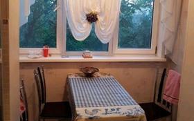 5-комнатная квартира, 90 м², 4/5 этаж помесячно, Енбекшинский р-н, мкр Север за 100 000 〒 в Шымкенте, Енбекшинский р-н