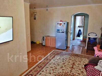 2-комнатная квартира, 45 м², 3/3 этаж, Улбике акына 115 за ~ 8.2 млн 〒 в Таразе