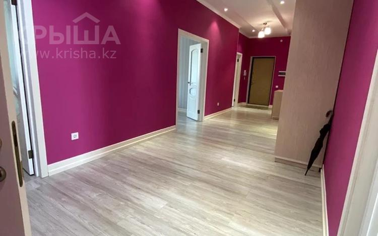 3-комнатная квартира, 131 м², 5/8 этаж, Керем и Жанибек хандар 6 за 56.5 млн 〒 в Нур-Султане (Астана), Есиль р-н