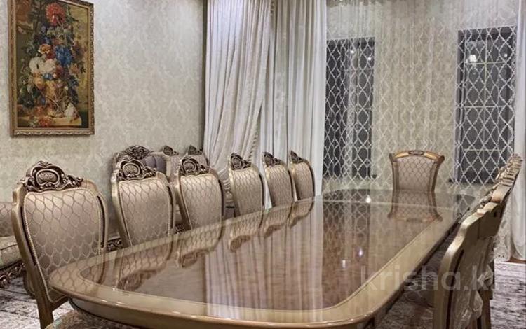 7-комнатный дом, 400 м², 10 сот., Ул Байтерекова 104 за 170 млн 〒 в Шымкенте, Енбекшинский р-н