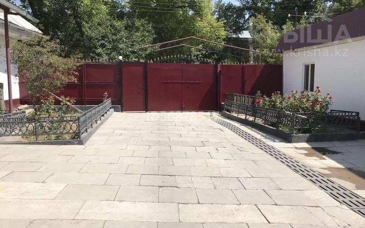 5-комнатный дом помесячно, 250 м², 14 сот., Беибиишилик 55 — Абая за 160 000 〒 в Таразе