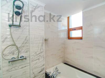 2-комнатная квартира, 90 м², 8/21 этаж посуточно, Байтурсынова 1 за 18 000 〒 в Нур-Султане (Астана) — фото 11