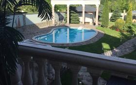 8-комнатный дом помесячно, 400 м², 19 сот., Мкр Юбилейный за 2 млн 〒 в Алматы, Медеуский р-н