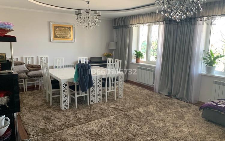 6-комнатный дом, 240 м², 8 сот., мкр Карагайлы, Куралай 35а за 112 млн 〒 в Алматы, Наурызбайский р-н