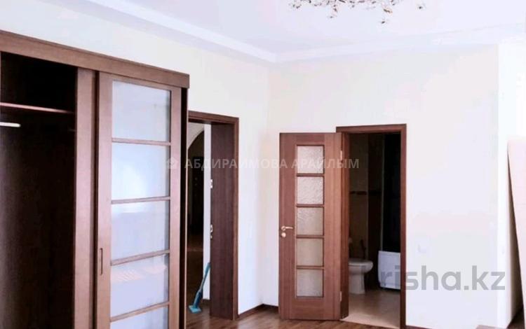 5-комнатная квартира, 176 м², 7/13 этаж помесячно, Луганского за 550 000 〒 в Алматы, Медеуский р-н