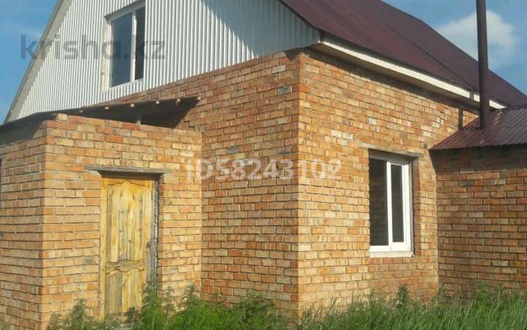3-комнатный дом, 137 м², 16 сот., 23-й микрорайон ул Д Парий 9 за 10 млн 〒 в Усть-Каменогорске