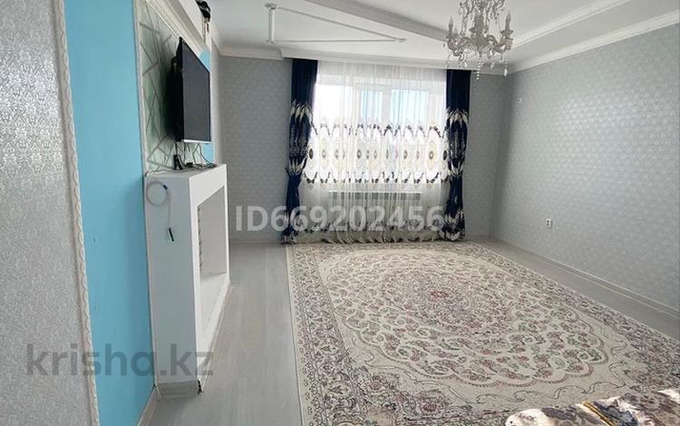 3-комнатная квартира, 85.5 м², 5/5 этаж, мкр. Батыс-2 338/1 за 20 млн 〒 в Актобе, мкр. Батыс-2