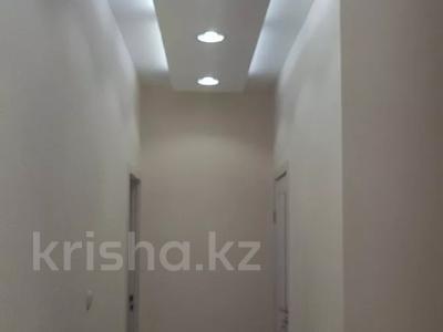 6-комнатный дом, 290 м², 8 сот., Нурсая-3 15 — 13-я улица за 38 млн 〒 в Атырау — фото 12