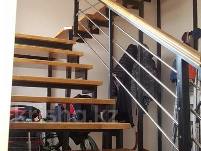 6-комнатный дом, 290 м², 8 сот., Нурсая-3 15 — 13-я улица за 38 млн 〒 в Атырау — фото 3