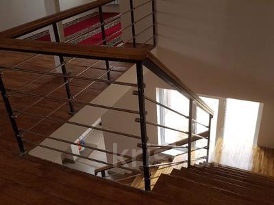 6-комнатный дом, 290 м², 8 сот., Нурсая-3 15 — 13-я улица за 38 млн 〒 в Атырау — фото 14