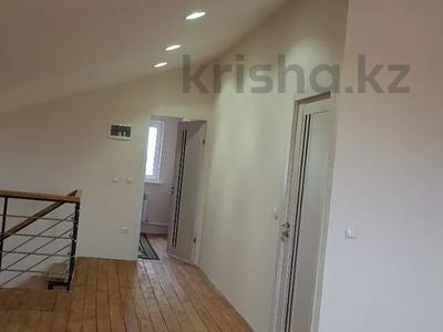6-комнатный дом, 290 м², 8 сот., Нурсая-3 15 — 13-я улица за 38 млн 〒 в Атырау — фото 18