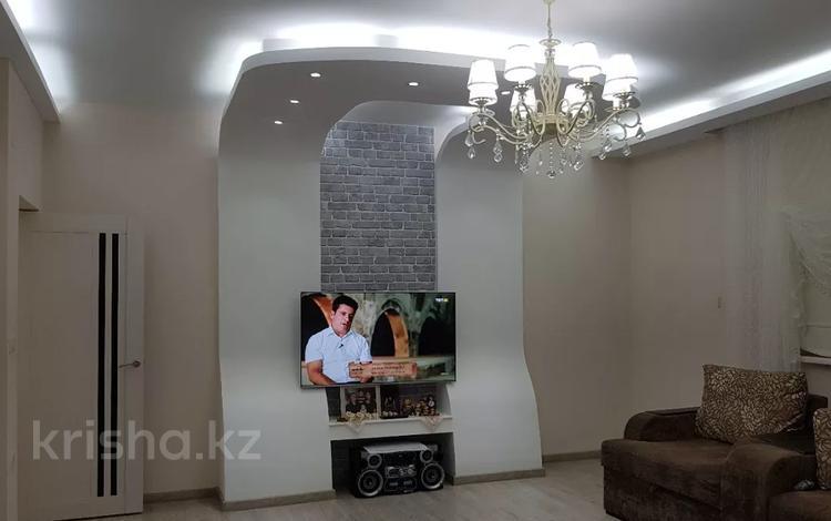 6-комнатный дом, 290 м², 8 сот., Нурсая-3 15 — 13-я улица за 38 млн 〒 в Атырау