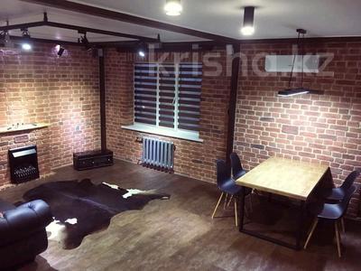 2-комнатная квартира, 81 м², 9/9 этаж помесячно, мкр Кадыра Мырза-Али за 300 000 〒 в Уральске, мкр Кадыра Мырза-Али — фото 13