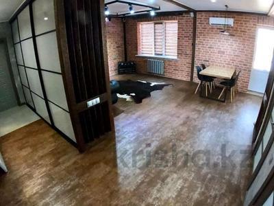 2-комнатная квартира, 81 м², 9/9 этаж помесячно, мкр Кадыра Мырза-Али за 300 000 〒 в Уральске, мкр Кадыра Мырза-Али — фото 15