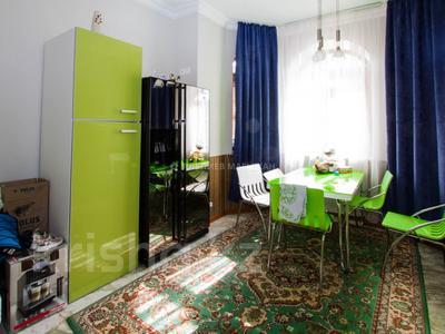 6-комнатный дом помесячно, 365 м², 2 сот., Кенесары Хана — Аскарова за 600 000 〒 в Алматы, Бостандыкский р-н — фото 12