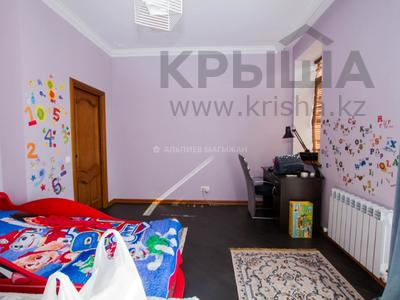 6-комнатный дом помесячно, 365 м², 2 сот., Кенесары Хана — Аскарова за 600 000 〒 в Алматы, Бостандыкский р-н — фото 21