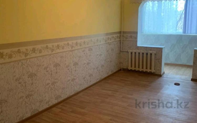 3-комнатная квартира, 58 м², 3/5 этаж, 16-й микрорайон, 16-й микрорайон за 17.5 млн 〒 в Шымкенте, Енбекшинский р-н