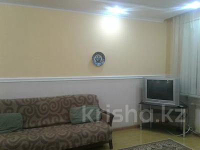 2-комнатная квартира, 65 м², 2/9 этаж посуточно, Кульманова 1 за 10 000 〒 в Атырау — фото 7