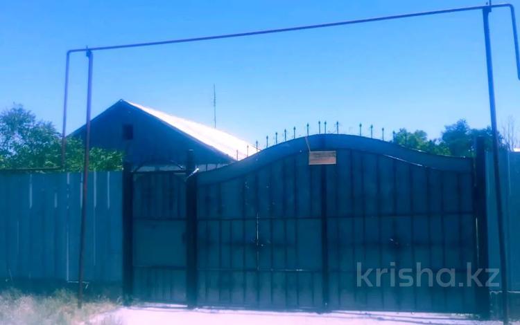4-комнатный дом, 75.5 м², 8.5 сот., улица Рысбек батыра 25 — Шахтёрская за 1.5 млн 〒 в Каратау