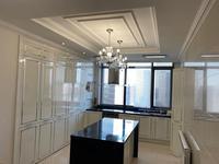 5-комнатная квартира, 188 м², 11 этаж помесячно