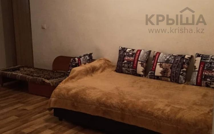 1-комнатная квартира, 35 м², 7/10 этаж, мкр Аксай-3А, Мкр Аксай-3А — Толе Би за 12.5 млн 〒 в Алматы, Ауэзовский р-н