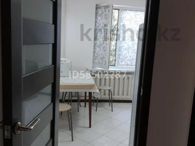 2-комнатная квартира, 50 м², 3/5 этаж посуточно, Авангард-3 за 8 000 〒 в Атырау, Авангард-3 — фото 6