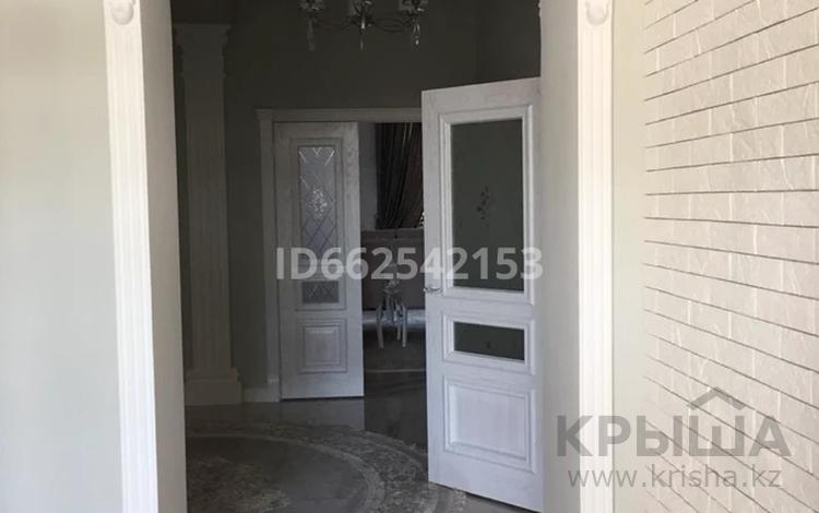 8-комнатный дом, 280 м², 5 сот., 193 квартал 1686/1 за 87 млн 〒 в Шымкенте, Енбекшинский р-н
