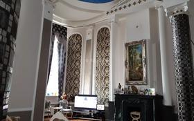 8-комнатный дом, 250 м², 10 сот., 29-й мкр за 380 млн 〒 в Актау, 29-й мкр
