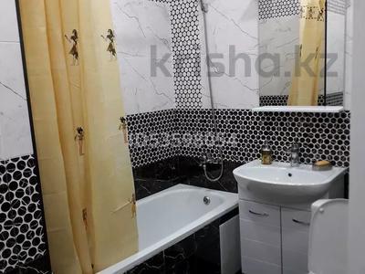 1-комнатная квартира, 40 м², 3/5 этаж посуточно, Тайманова 127 — Нурсултана Назарбаева за 14 000 〒 в Уральске