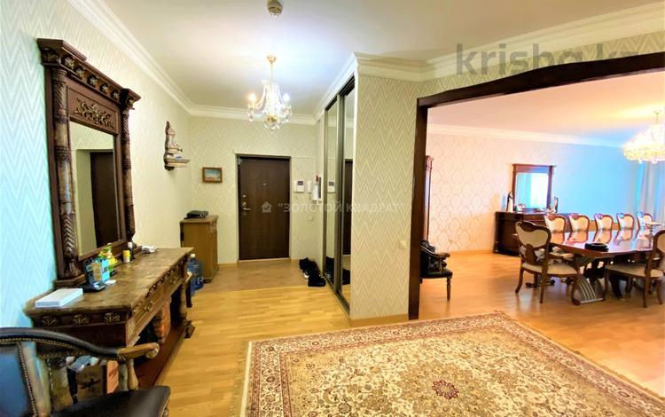 4-комнатная квартира, 170 м², 14/34 этаж, Достык 5 за ~ 80 млн 〒 в Нур-Султане (Астана), Есиль р-н