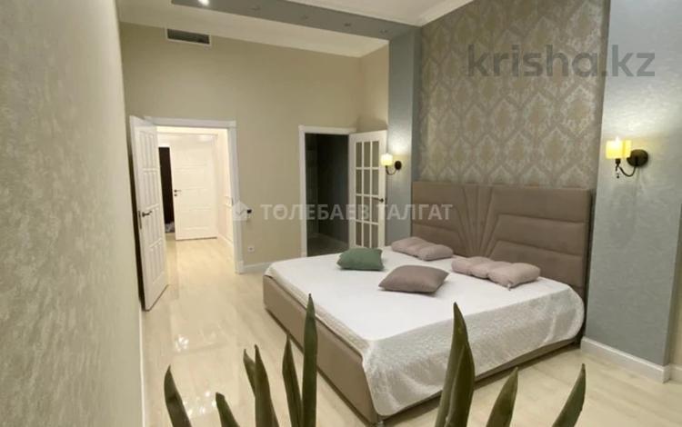 2-комнатная квартира, 80 м², 5/6 этаж на длительный срок, Арайлы 12 за 450 000 〒 в Алматы, Бостандыкский р-н