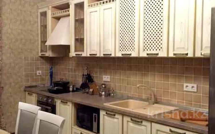 3-комнатная квартира, 130 м² помесячно, Аль-Фараби 21/9 за 420 000 〒 в Алматы, Бостандыкский р-н