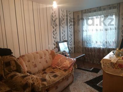 3-комнатная квартира, 62 м², 5/5 этаж, мкр Юго-Восток, Язева за 15 млн 〒 в Караганде, Казыбек би р-н — фото 2